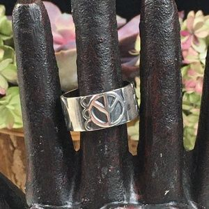 Jewelry - Sterling Silver Peace Sign Wide Band Ring 10.5